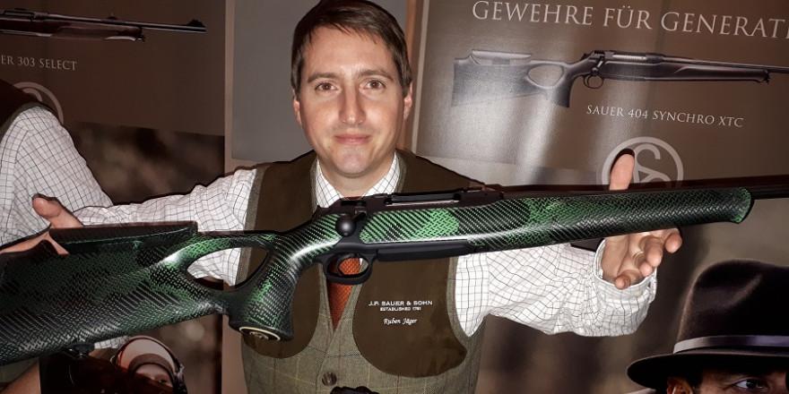 """SAUER 404 SYNCHRO XTC mit einem Schaft in """"Carbon-Camouflage"""" (Foto: mlz)"""