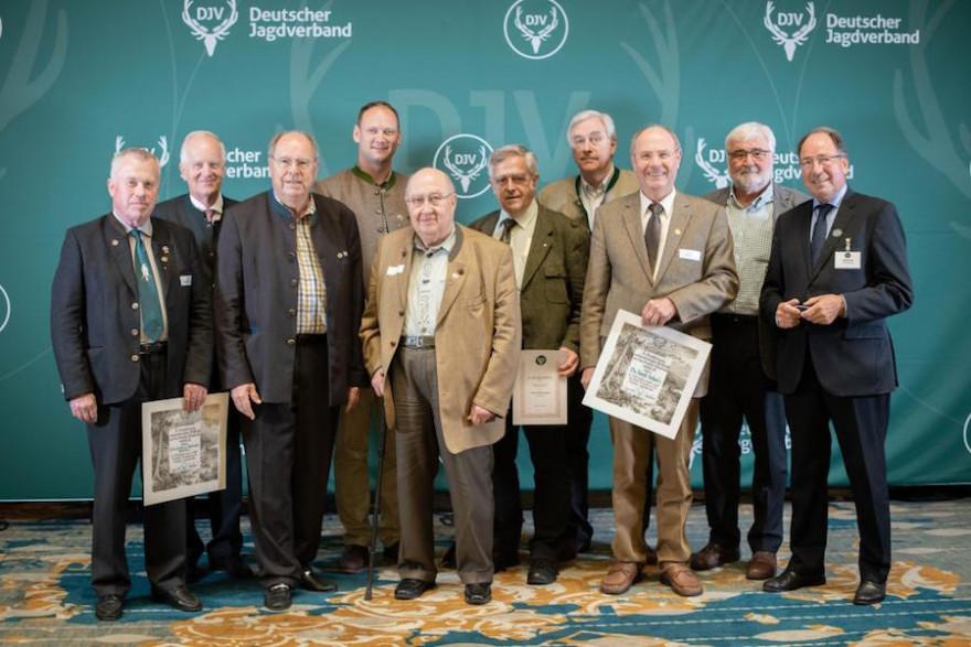 Für ihr langjähriges Engagement in Sachen Jagd wurden diese Jäger geehrt. (Quelle: Recklinghausen/DJV)