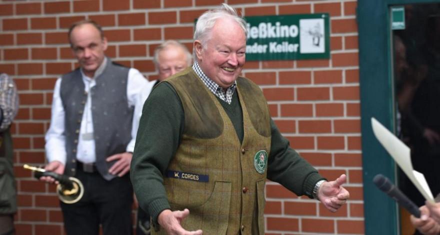 Wilhelm Cordes wird zum Gesamtsieger ernannt. (Quelle: Kapuhs/DJV)