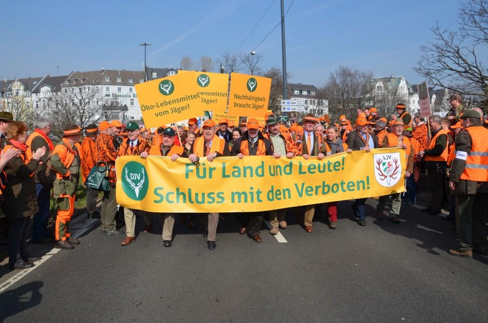 Ikonische Jäger-Demo in Düsseldorf