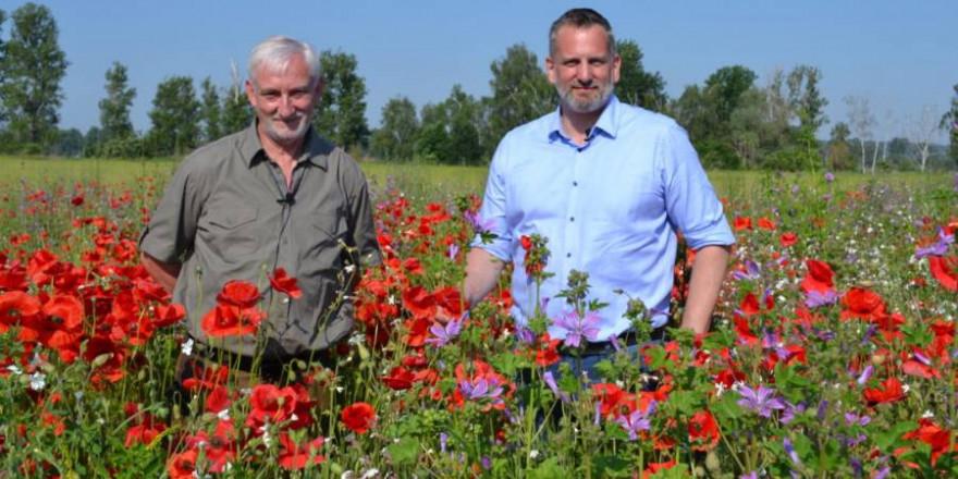 Jagdpächter Jürgen Beyer (li.) und der Geschäftsführer der Agro-Saarmund, Ulrich Benedix (Foto: LJV Brandenburg)