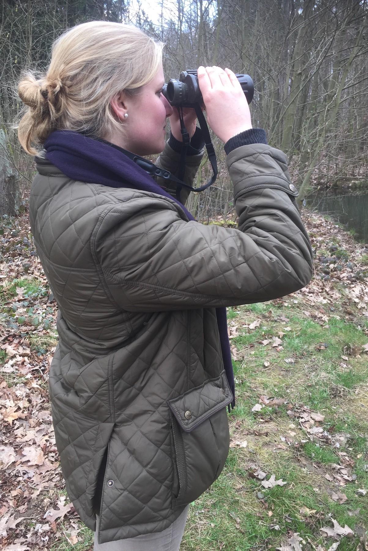 Foto: Jagdschule WaldfeeIn der mündlichen Prüfung muss Sophie von Korff unter anderem verschiedene Tierarten bestimmten.