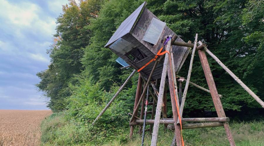 Der Hochsitz wurde gesichert und der Jäger gerettet. (Foto: Feuerwehr Breckerfeld)