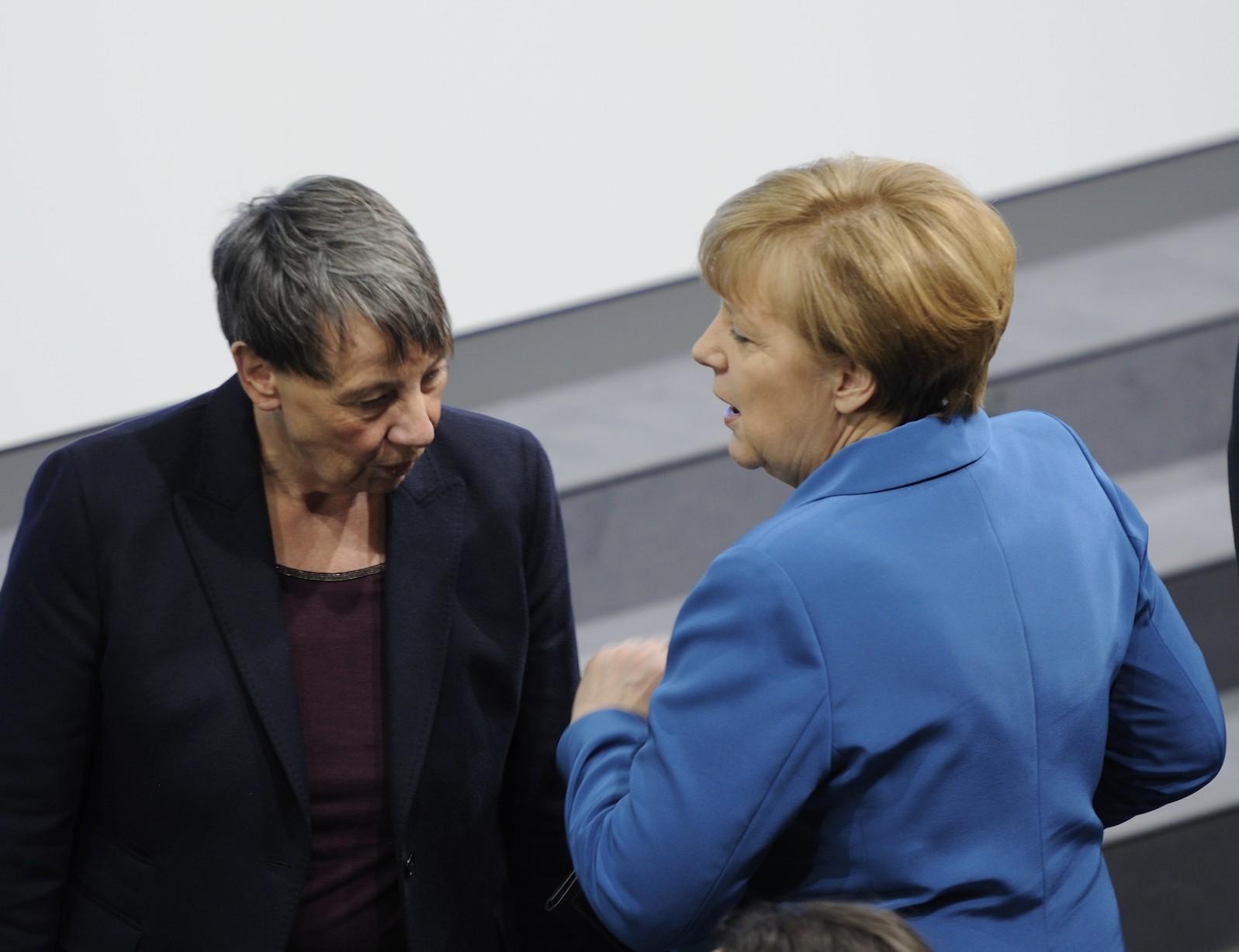 Foto: Martin Rulsch, Wikimedia Commons, CC-by-sa 4.0, Unterzeichnung des Koalitionsvertrages der 18. Wahlperiode des Bundestages (Martin Rulsch) 044, CC BY-SA 4.0