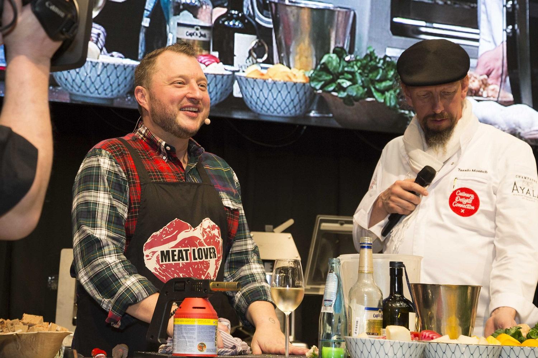 Entertainer und Food-Experte Sebastian Lege (li.)