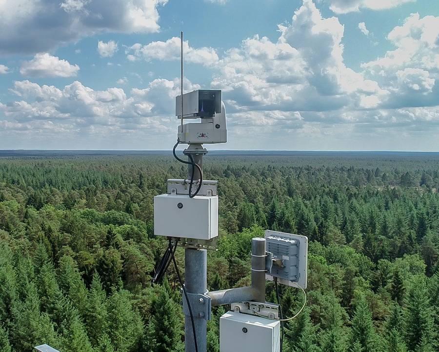 Überwachungskamera, an 17 Standorten sind insgesamt 20 Kameras im Einsatz. Sie überwachen ein Waldgebiet mit einer Fläche von rund 440.000 Hektar im Nord-Osten Niedersachsens.(Foto: Niedersächsische Landesforsten)