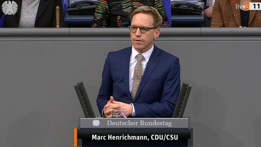 Der Bundestagsabgeordnete Marc Henrichmann, zuständiger Berichterstatter der CDU/CSU-Bundestagsfraktion, während der Debatte um das Waffenrechtsänderungsgesetz. (Foto: Deutscher Bundestag)