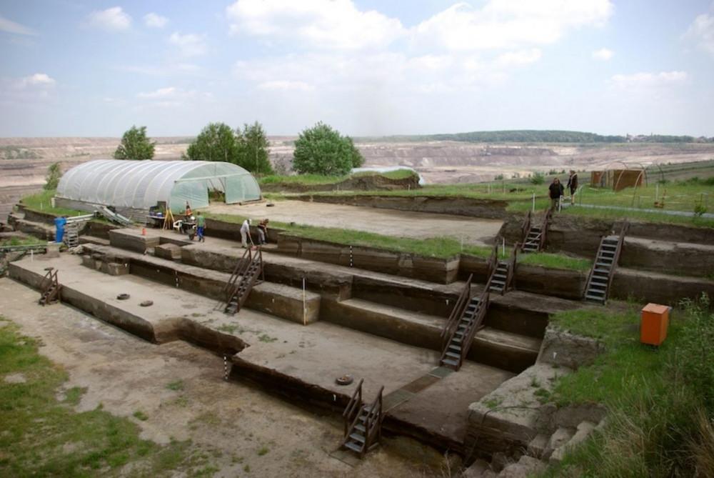 Blick über die Ausgrabungen in Schöningen Foto: Jordi Serangeli