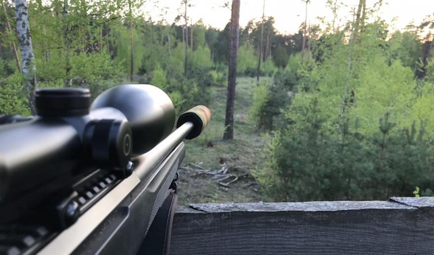 Jagdbüchse mit Schalldämpfer