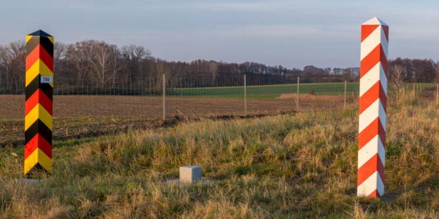 ASP-Schutzzaun an der deutsch-polnischen Grenze (Symbolbild: iStock/MikeMareen)