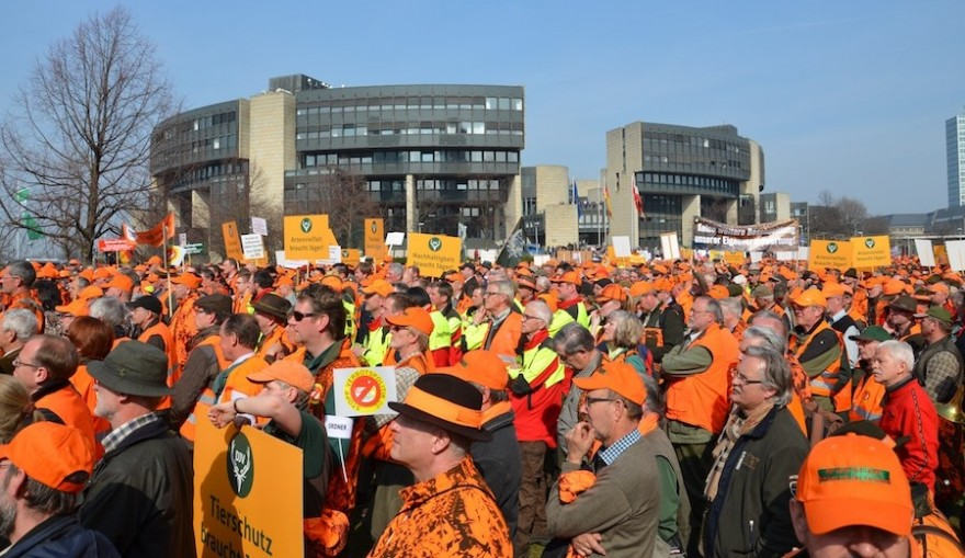 Jägerdemo vor dem NRW-Landtag in Düsseldorf