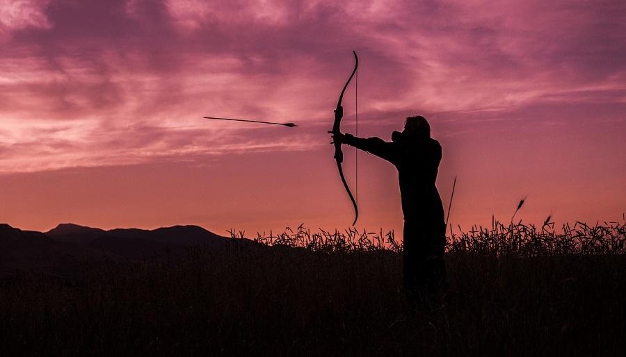 Bogenschütze bei der Schussabgabe mit einem Recurvebogen (Foto: Paul Barlow)