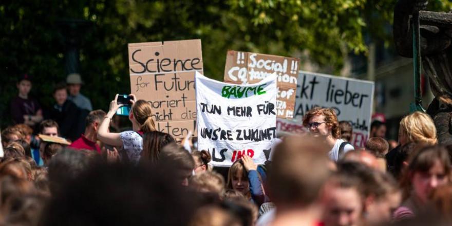 """Demonstration im Rahmen von """"Fridays for Future"""" (Symbolbild: Dominic Wunderlich)"""