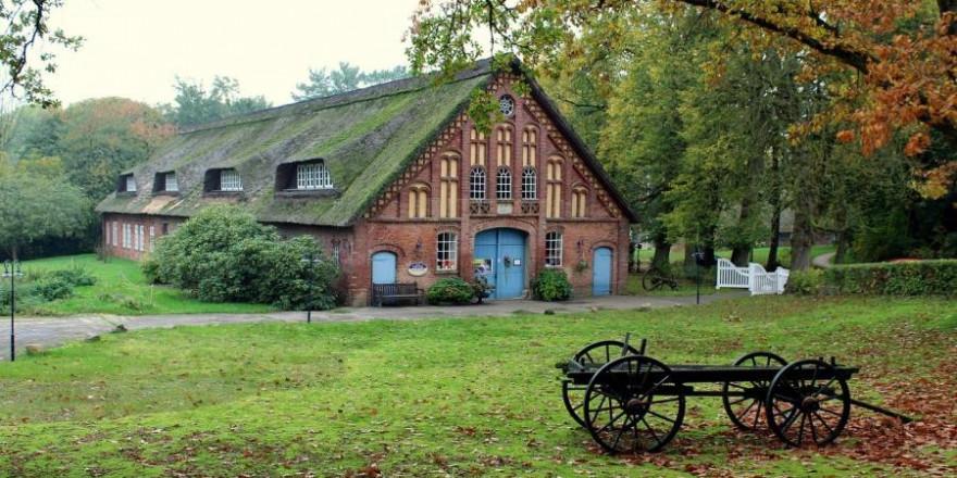 Ein altes Bauernhaus in Niedersachsen (Symbolbild: Lolame)