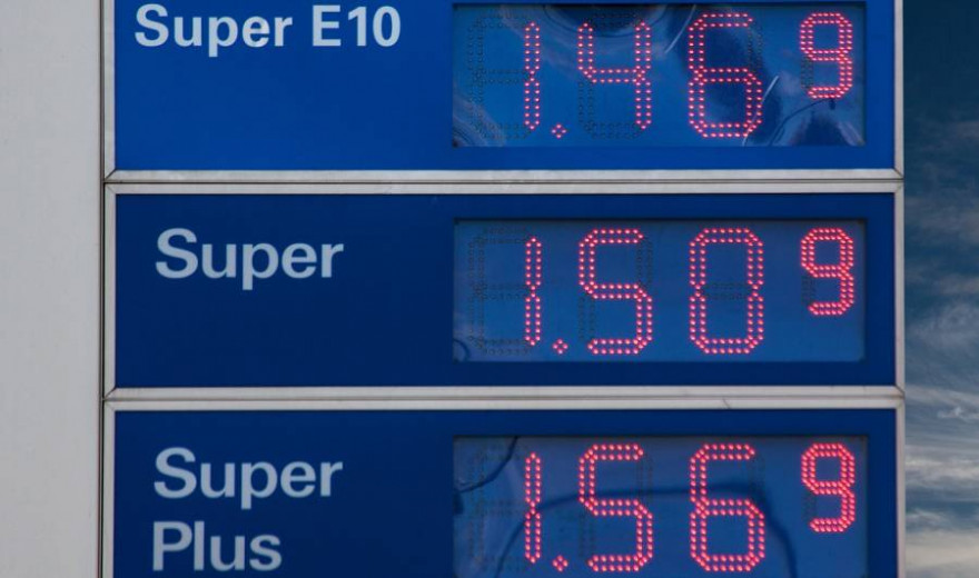 Preistafel mit Spritpreisen einer Tankstelle (Symbolbild: stux)