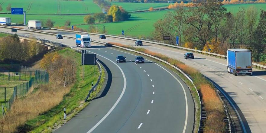 Blick auf eine Autobahn (Symbolbild: Hans Linde)