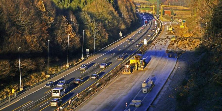Eine Autobahnbaustelle (Symbolbild: Erich Westendarp)