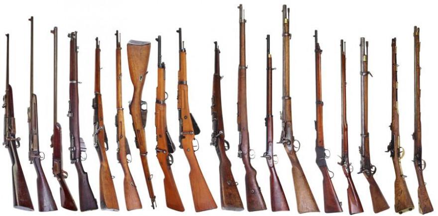 """Nicht nur der Besitz von """"scharfen"""" Waffen, sondern auch der von Salutwaffen bzw. Theaterwaffen wurde neu geregelt (Beispielbild: Alexander Lesnitsky)"""